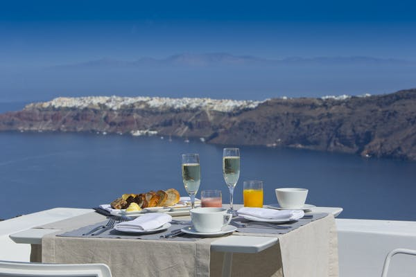 Breakfast at Grace Santorini