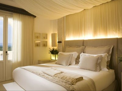 La Corte Splendida (Hotel-Deluxe Room), La Corte Magnifica (Hotel-Grand Suite), Suite Egnazia