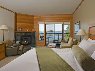 Pointe West Deluxe Room