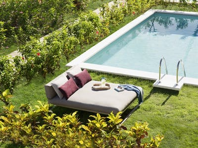 Suite With Private Pool & Garden
