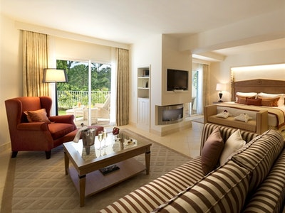 Oasis Parc Suites One And Two Bedroom Suites