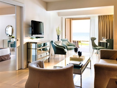 One & Two Bedroom Family Suite Beach Front