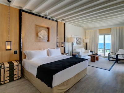 Sea View and Deluxe Sea View Suites