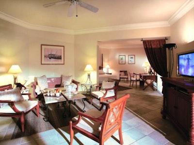 Colonial Garden View Junior Suites