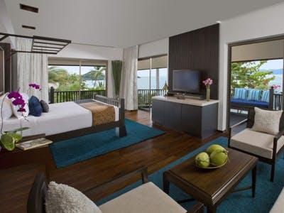 Royal Sea View Suite