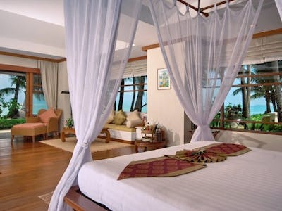Deluxe Beachfront Villas with or without plunge pool