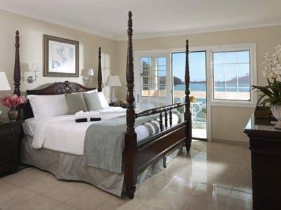 Grand Luxury Oceanfront Rooms