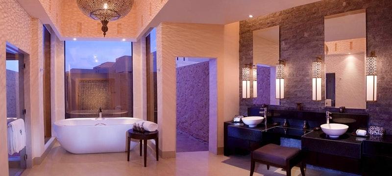 Al  Rimal Deluxe Pool Villa Bathroom