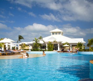 Resort Pool at Blau Privilege Cayo Libertad