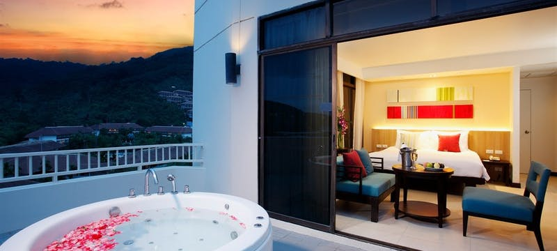 Deluxe Honeymoon Spa Suite at The Terraces
