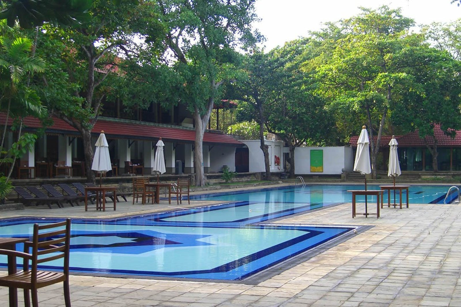 Swimming Pool at Cinnamon Lodge Habarana, Sigiriya