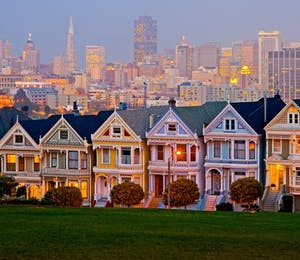 View of San Francisco from Alamo Square Park
