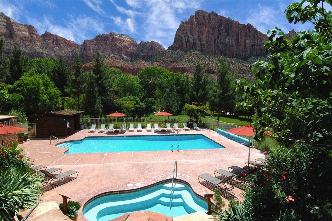 1/9   Cliffrose Lodge U0026 Gardens (Springdale) Pictures