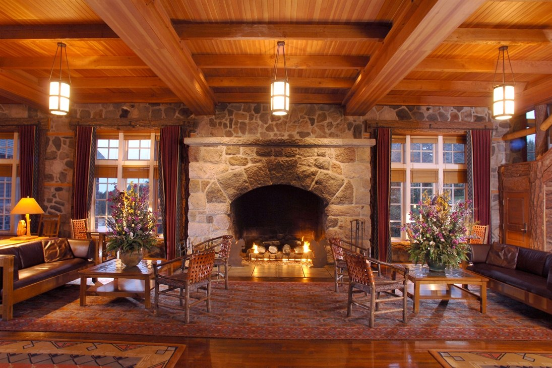 Lounge Area at Crater Lake Lodge (Crater Lake National Park)