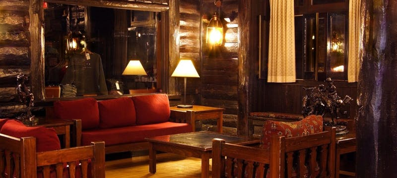 Lounge area at El Tovar - Grand Canyon