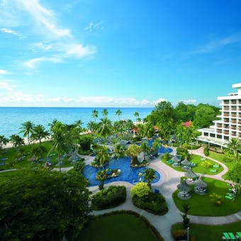 Resort Exterior of Golden Sands Resort by Shangri-La