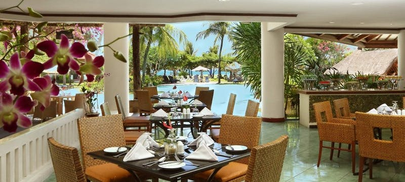 Grand Cafe at Grand Mirage Resort and Thalasso Bali