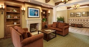 Lounge area at Harbor View Inn