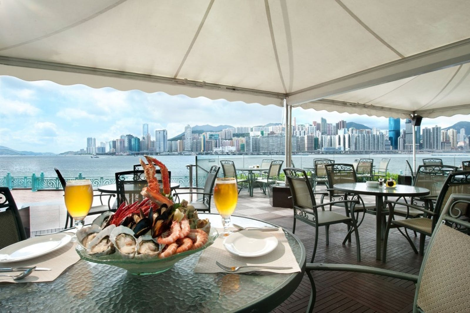 Waterfront Bar & Terrace (Al-fresco) at Harbour Grand Kowloon