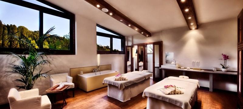 Deverana Spa Couples Treatment Room