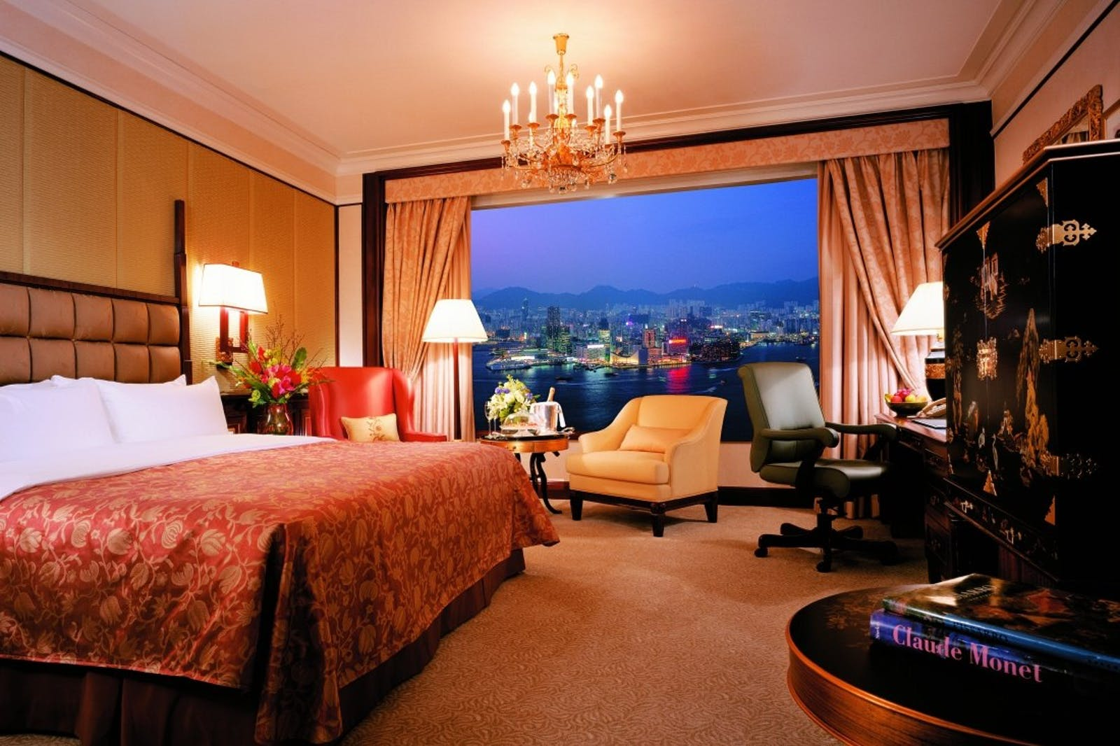 Deluxe Harbour View Room at Island Shangri La, Hong Kong