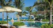 Beach Suite Across The Pool