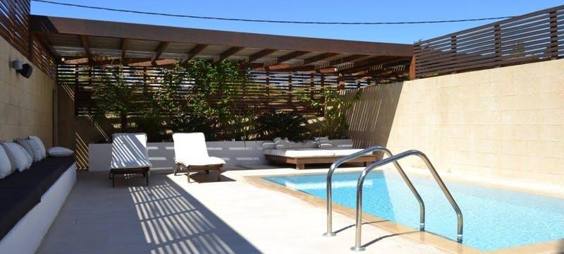 Ottoman Pool Suite