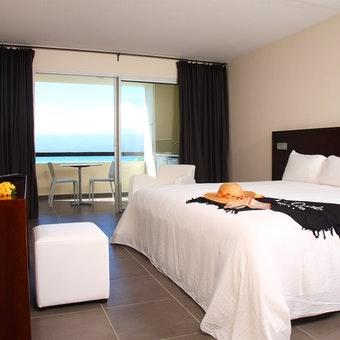 Mahogany Hotel Residencia & Spa