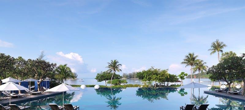 Fantastic Value: Malay Beach & Singapore