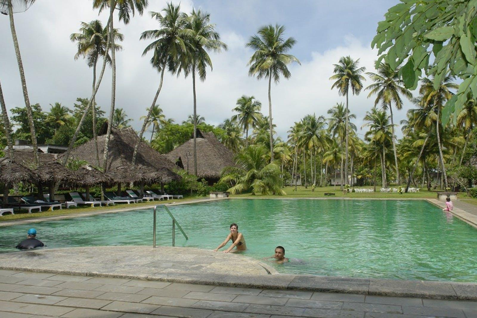 1 10 Hotel Pool