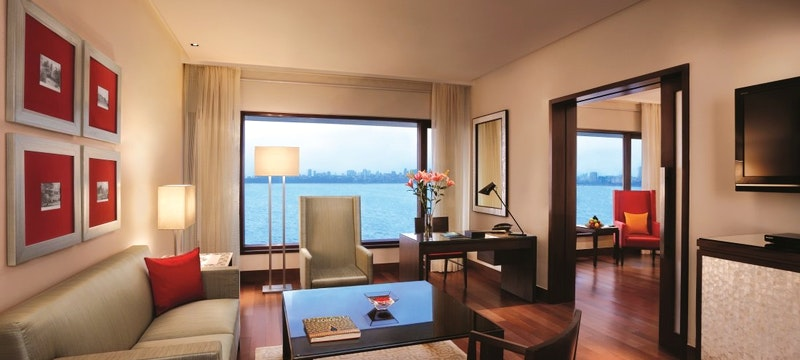 Oberoi Executive Suite Ocean View Living Room