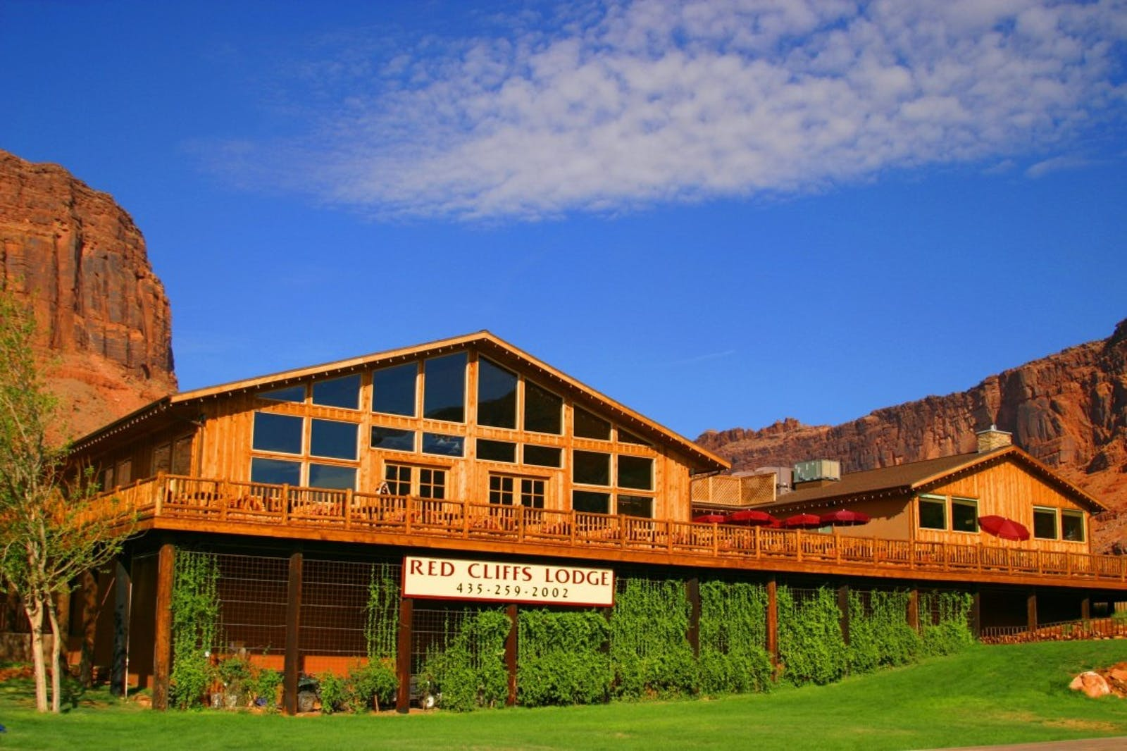 Exterior of Red Cliffs Lodge, Utah