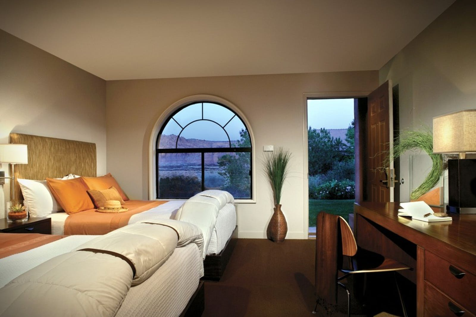Deluxe Queen Room at Red Mountain Resort