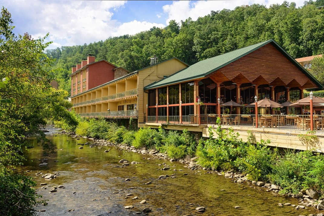 Exterior of River Terrace Resort & Convention Center, Tenessee