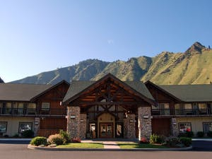 Exterior of Salmon Rapids Lodge, Idaho