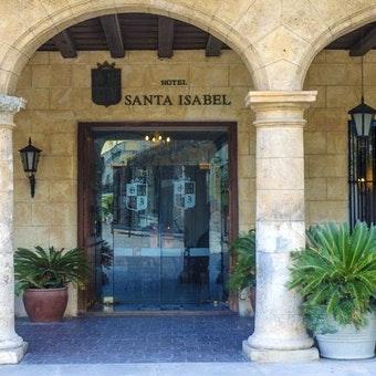 Santa Isabel on Plaza de Armes