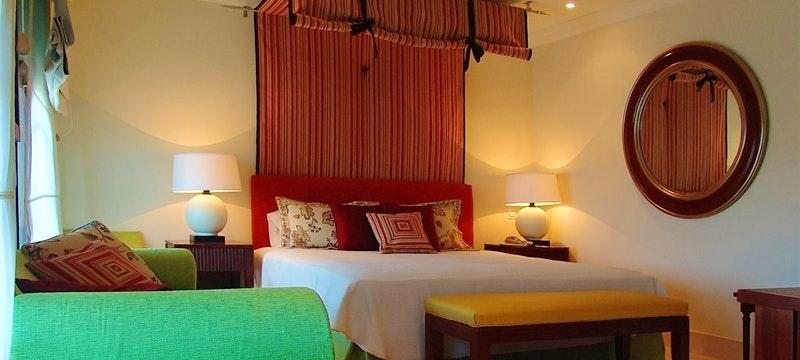 Saratoga Modern Junior Suite