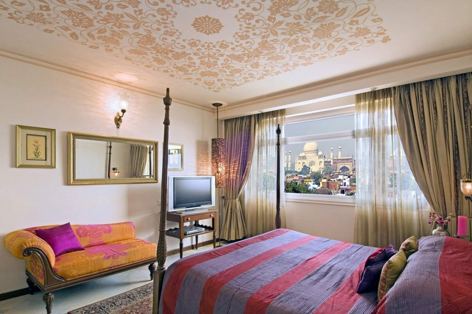 bedroom at The Gateway Hotel Fatehabad Road Agra