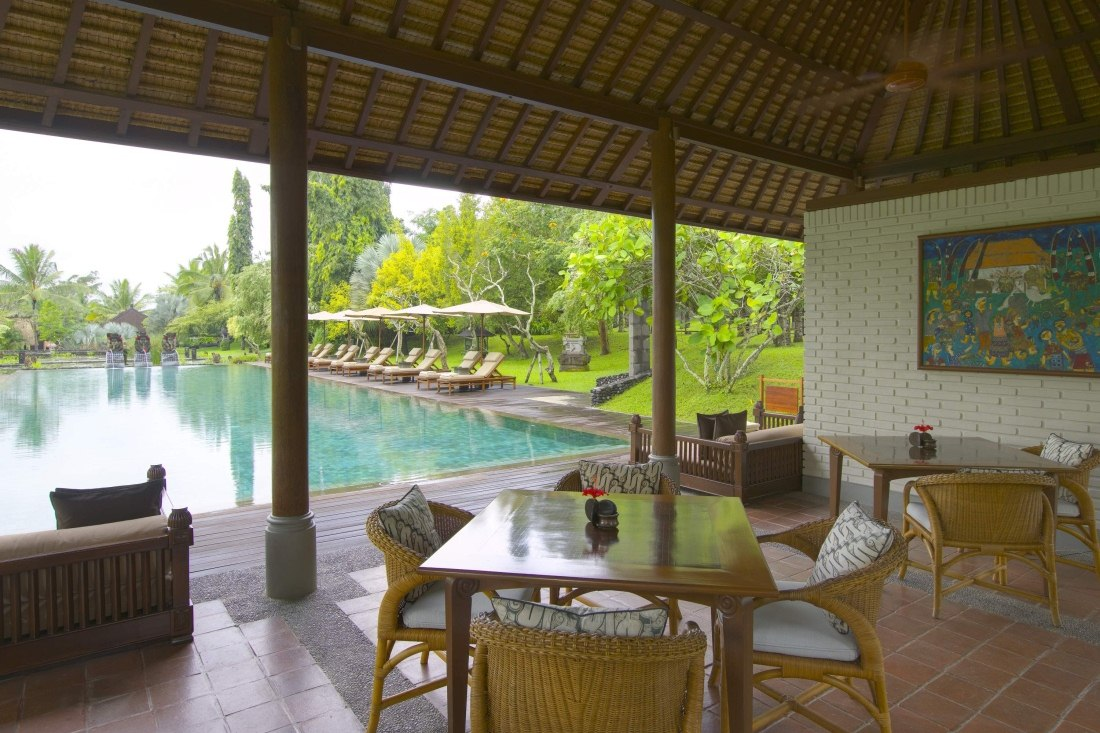 Pool Bar at The Chedi Club Tanah Gajah