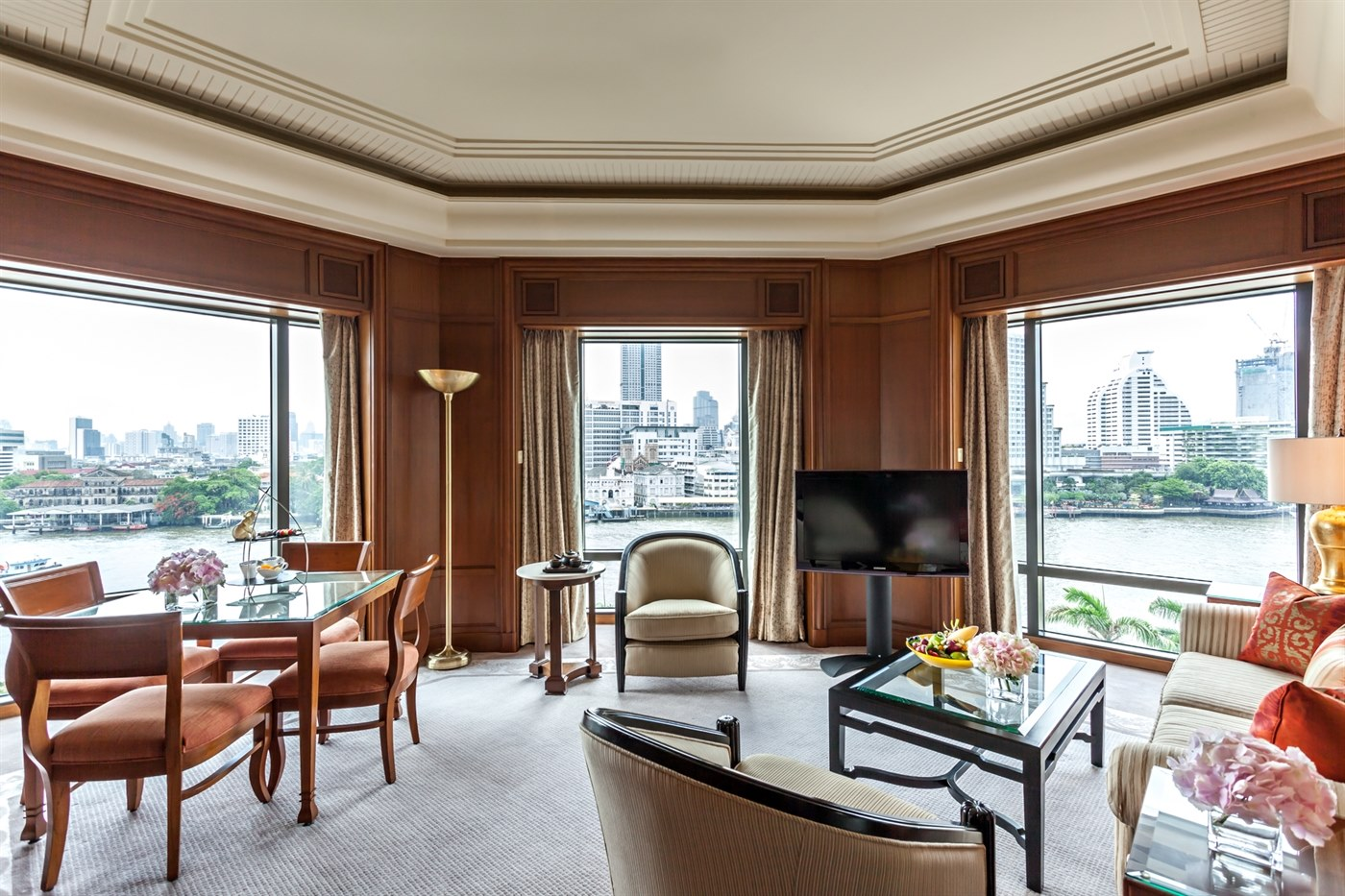 Deluxe Suite at The Peninsula Bangkok