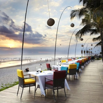 Breeze Beachfront Restaurant