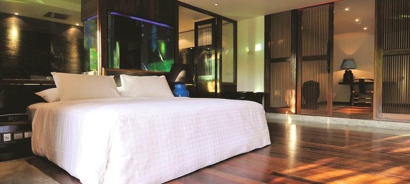 Luxe Crib Bedroom